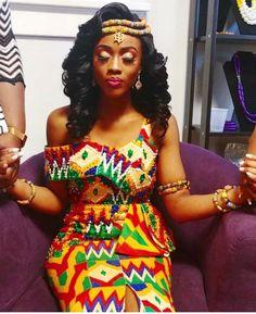 The Origin of Beautiful Kente Materials and African Beauty Queens Wearing them - WearitAfrica African Fashion Designers, Latest African Fashion Dresses, African Print Fashion, Africa Fashion, Ghana Fashion, Ankara Fashion, Fashion 2017, Mens Fashion, African Wedding Attire