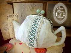 tea pot coin purse (i love the details on the center of the purse)