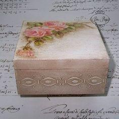 Discover thousands of images about Vintage decoupage box Decoupage Glass, Decoupage Box, Decoupage Vintage, Vintage Crafts, Altered Cigar Boxes, Prayer Box, Print Box, Tea Box, Vintage Box