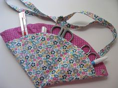Hanging Folded Fabric Scissor Pouch-Tutorial