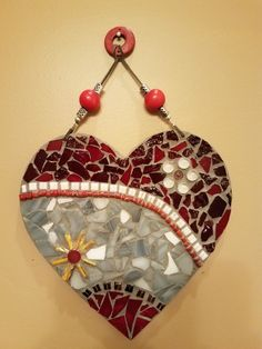 Mosaic Tile Art, Mosaic Diy, Mosaic Glass, Stained Glass, Clay Creations, Bobs, Christmas Ornaments, Holiday Decor, Diy And Crafts
