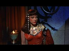 A gilt copper and stamped brass headdress with chain-linked lotus blossoms, worn by Anne Baxter as Nefretiri in the classic Cecil B. DeMille film The Ten Commandments (Paramount, Anne Baxter, Old Hollywood Glam, Classic Hollywood, Nefertiti Costume, Eminem Memes, Name That Movie, Egyptian Fashion, Prince Of Egypt, Yul Brynner