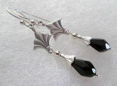 Sterlingsilber Ohrringe mit schwarzen Kristalltropfen