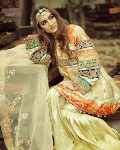 Image uploaded by Jy Rose. Find images and videos about style and outfit on We Heart It - the app to get lost in what you love. Bridal Mehndi Dresses, Pakistani Wedding Outfits, Pakistani Wedding Dresses, Pakistani Dress Design, Bridal Outfits, Pakistani Couture, Stylish Dresses, Fashion Dresses, Mehndi Outfit