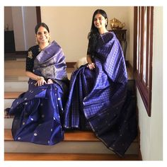 Creative Blouse Ideas For The Most Awesome Silk Saree Style! Blue Silk Saree, Indian Silk Sarees, Ethnic Sarees, White Saree, Full Sleeves Blouse Designs, Silk Saree Blouse Designs, Best Blouse Designs, Silk Saree Kanchipuram, Organza Saree