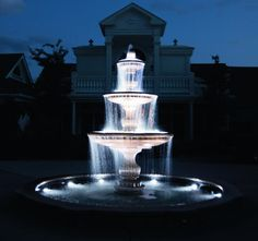 garden fountains with lights - Backyard Water Features Can Enhance Your House Beauty – Garden Design Yard Water Fountains, Water Fountain Design, Diy Garden Fountains, Water Lighting, Outdoor Lighting, Lighting Ideas, Fountain Lights, Home Lighting Design, Backyard Water Feature
