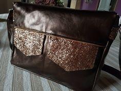 Besace Zip-Zip cousue par Véro - simili glitter et pixar bronze - patron Sacôtin