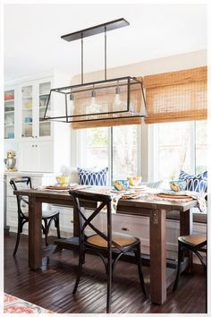35+ Amazing Kitchen Dining Room Combo Photos – The Plumed Nest Kitchen Dining Combo, All White Kitchen, Farmhouse Style Kitchen, Kitchen Sets, Kitchen Styling, Open Kitchen, Galley Kitchen Remodel, Galley Kitchens, Cool Kitchens