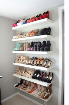 42 Ideas Walk In Closet Organization His And Hers Shoe Shelves Deco Cool, Vanity Room, Ideas Para Organizar, Glam Room, Dream Closets, Closet Bedroom, Master Closet, Shoe Rack Bedroom, Shoe Storage Ideas Bedroom