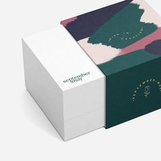 Spring is in full bloom here - and we are loving the warm temps, blue skies and green grass. Packaging Box, Simple Packaging, Candle Packaging, Food Packaging Design, Cosmetic Packaging, Print Packaging, Packaging Design Inspiration, Label Design, Box Design