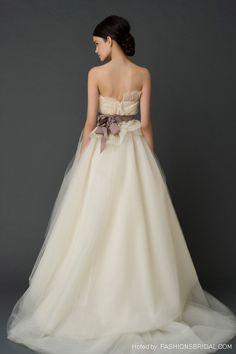 white-wedding-dress-by-vera-wang-spring-2012011