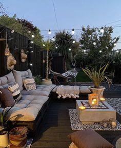 Modern Backyard Design, Backyard Patio Designs, Small Backyard Landscaping, Patio Ideas, Backyard Ideas, Small Patio Design, Backyard Hammock, Sofa Area Externa, Cozy Patio