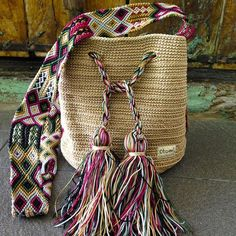 Crochet Bags Ideas Otomiartesanal Mayan Morral Mochila bag by Otomiartesanal on Etsy - Mochila Crochet, Bag Crochet, Crochet Shell Stitch, Crochet Handbags, Beige Pullover, Baby Pullover, Purse Patterns, Crochet Patterns, Tapestry Crochet