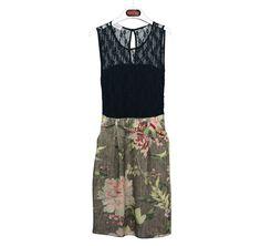 #DIESSE #FallWinter2016/17 #Sleeveless dress, lace top, floral tapestry print, round neck, jewel belt #designer #DiegoSalerno  http://www.diessefashion.it/
