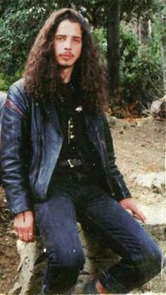 Chris Cornell, Hair Metal Bands, Musical Hair, Temple Of The Dog, Smiling Man, Riot Grrrl, Alice In Chains, Eddie Vedder, Most Beautiful Man