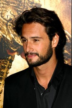 Rodrigo Santoro - why Laura Linney wouldn't turn off her phone for 1 hour on Love, Actually is beyond me. What a fool!