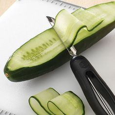 Shop The Pampered Chef Vegetable Peeler and other top kitchen products. Explore new recipes, get cooking ideas, and discover the chef in you today! Vegetable Cake, Veggie Tray, Easy Food Art, Food Decoration, Vegetable Decoration, Charcuterie Recipes, Party Food Platters, Food Carving, Food Displays