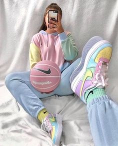 Teen Fashion Outfits, Retro Outfits, Cute Casual Outfits, Summer Outfits, Cute Nike Outfits, Outfits With Jordans, Nike Fashion Outfit, Cute Casual Shoes, Teen Girl Outfits