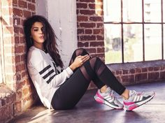 Selena Gomez: See More 'adidas NEO' Spring 2015 Campaign Pics Here!: Photo Selena Gomez whistles while she works in this brand-new shot from her new adidas NEO Spring 2015 Campaign. The new collection combines street looks with sporty… Selena Gomez Fashion, Style Selena Gomez, Selena Gomez Adidas, Adidas Neo Label, Selena Gomez Wallpaper, Black Girlfriend, Outfit Trends, Marie Gomez, Moda Fitness