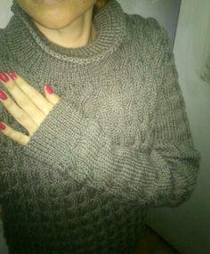 Sweater polera con ochos tejido a dos agujas lana sedificada
