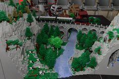 Albumarchiv Lego Winter Village, Lego Tree, Train Tunnel, City Layout, Lego Trains, Lego Modular, Lego Projects, Lego Moc, Building Exterior