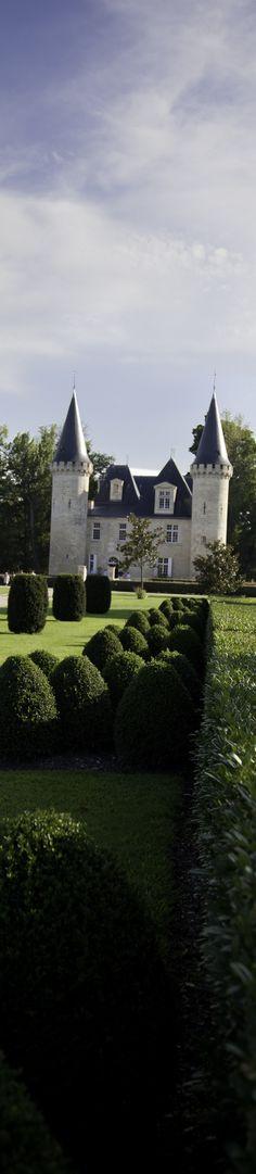 A fairytale castle in Bordeaux, France   http://www.pinterest.com/adisavoiaditrev/boards/