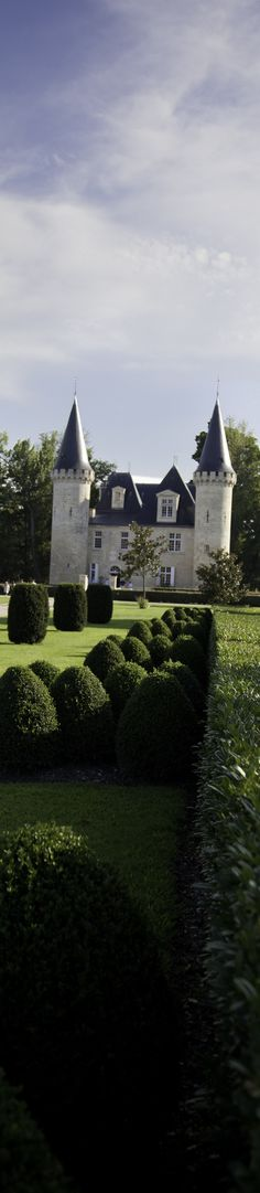 A fairytale castle in Bordeaux, France