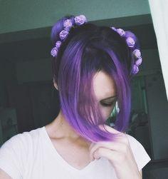 call me bun Purple Hair Tumblr, Girl With Purple Hair, Dark Purple Hair, Hair Color Dark, Cool Hair Color, Kawaii Hairstyles, Pretty Hairstyles, Wig Hairstyles, Costume Noir