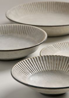 (Pleated work) plates by Japanese ceramic artist Akio Nukaga via th. - (Pleated work) plates by Japanese ceramic artist Akio Nukaga via the artist's site - Ceramic Tableware, Glass Ceramic, Ceramic Clay, Ceramic Bowls, Ceramic Studio, Stoneware, Pottery Plates, Slab Pottery, Ceramic Pottery