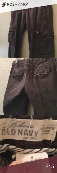 Old Navy brown cargo pants Brown. Cargo pants. Size 0. Good for hiking. Needs a loving home. Old Navy Pants Ankle & Cropped