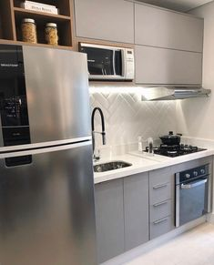 Compact and functional kitchen in gray and white, ameiii! Kitchen Ceiling Design, Kitchen Design, New Kitchen, Kitchen Decor, Decor Interior Design, Interior Decorating, Kitchen Cabinets, Kitchen Appliances, Functional Kitchen