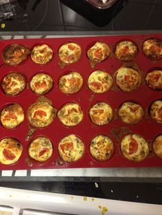 Slimming world Syn free mini quiches, recipe (to make 30 for buffet) 7 eggs tub of fat free cottage cheese with chives Chopped ham Chopped mushrooms Chopped spring onion Cherry tomatoes quartered Frylight Parsley Slimming World Vegetarian Recipes, Slimming World Free Foods, Slimming World Recipes, Healthy Recipes, Quark Recipes, Mini Quiche Recipes, Healthy Cooking, Cooking Recipes, Weight Watchers Meals