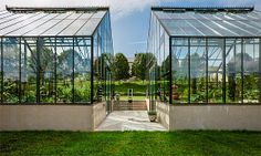 Flower envy: Private greenhouses (© Roger Wade)