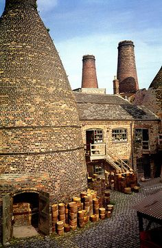 Gladstone Pottery Works, Stoke-on-Trent, England. The Gladstone Pottery Museum is a working museum of a medium sized pottery, typical of those once common in the North Staffordshire area of England from the time of the industrial revolution in the 18th century to the mid 20th century