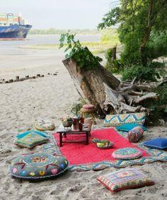 Inspire Bohemia: Bohemian Beach Picnic