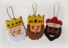 Christmas Fair Ideas, Christmas Tree Crafts, Christmas Decorations, Xmas, Christmas Ornaments, Diy Arts And Crafts, Felt Crafts, Decor Crafts, Crafts For Kids