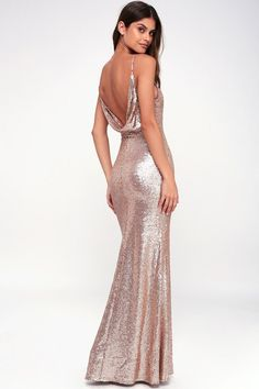 Even the moon couldn't resist the Capture the Moon Rose Gold Long Sleeve Sequin Maxi Dress! Sequin maxi dress with plunging V-neck and long sleeves. Gold Sequin Dress, Sequin Maxi, Pink Sequin, Champagne Sequin Dress, Champagne Evening Gown, Bridesmaid Dresses, Prom Dresses, Formal Dresses, Sparkly Dresses