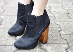 Pumped Up Kicks  |  Photo ©  Julie Ursel