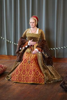 Henrician Court Lady, Hampton Court Palace-So rich looking.