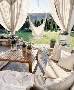 20 Beautiful Backyards That Will Inspire You to Spruce up Your Outdoor Space Thi. - 20 Beautiful Backyards That Will Inspire You to Spruce up Your Outdoor Space This Summer -