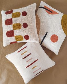 Modern abstract punchneedle pillowcase · Mustard and terracotta accent pillow . Modern abstract punchneedle pillowcase · Mustard and terracotta accent pillow · Handmade decorative pillow cover · Minim. Modern Pillow Covers, Modern Pillows, Decorative Pillow Covers, Arte Punch, Punch Art, Punch Needle Patterns, Rug Hooking, Handmade Decorations, Hand Embroidery