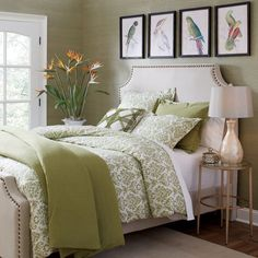 30 French Country Bedroom Design and Decor Ideas for a Unique and Relaxing Space - The Trending House Bedroom Green, Green Rooms, Bedroom Colors, Bedroom Sets, Home Decor Bedroom, Modern Bedroom, Bedroom Furniture, Contemporary Bedroom, Bedroom Interiors