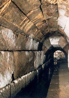 Romeinse tuin: De Romeinen waren een van de eerste die riolering gebruikten.