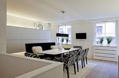 Scandinavian Design: Contemporary White Duplex Apartment in Stockholm Dinning Room Bar, Dining Bench, Dining Rooms, Dining Area, Duplex Apartment, Apartment Interior, Scandinavian Apartment, Scandinavian Design, White Interior Design