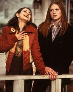 That Show - Publicity still of Mila Kunis & Laura Prepon How I Met Your Mother, Gilmore Girls, Magcon, Steven Hyde, Movies Showing, Movies And Tv Shows, Jackie That 70s Show, 70s Fashion, Vintage Fashion
