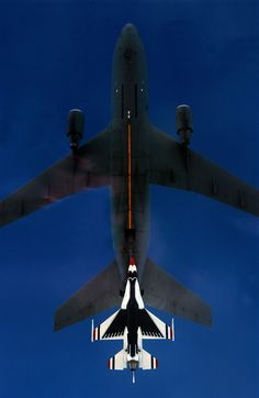 Thunderbird aerial re-fuelling from a USAF KC-10 tanker.
