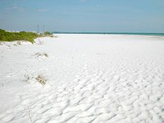 White quartz sand at Siesta Key.