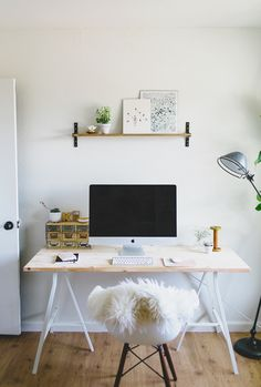 home office inspiration decor Home Office Space, Home Office Design, House Design, Desk Space, Workspace Desk, Small Workspace, Ikea Desk, Office Decor, Office Ideas