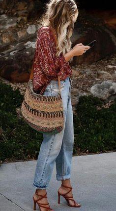 Estilo Boho: de verano a invierno - estilo casual - estilo urbano - estilo clasico - estilo natural - estilo boho - moda estilo - estilo femenino Look Hippie Chic, Estilo Hippie Chic, Boho Chic Style, Bohemian Winter Style, Hippie Style Summer, Bohemian Look, Mode Hippie, Mode Boho, Mode Outfits