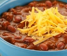Roger Staugack told us his wife's hearty Texas-style chili recipe is the absolute best. Its no-fuss prep and short ingredient list makes it a sure win on any Super Bowl party menu. IMO -- doesn't sound great, but it would be a quick supper Bean Recipes, Chili Recipes, Crockpot Recipes, Soup Recipes, Healthy Recipes, Party Recipes, Eat Healthy, Healthy Meals, Delicious Recipes